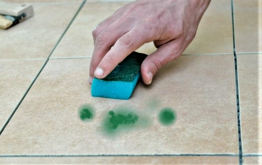 chem otmyt zelenku s kafelnoj plitki