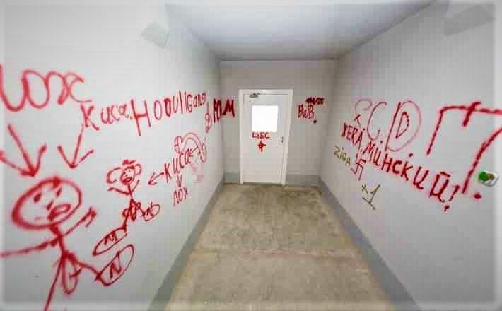 chem otteret marker so steny otmyvaem steny v podezde