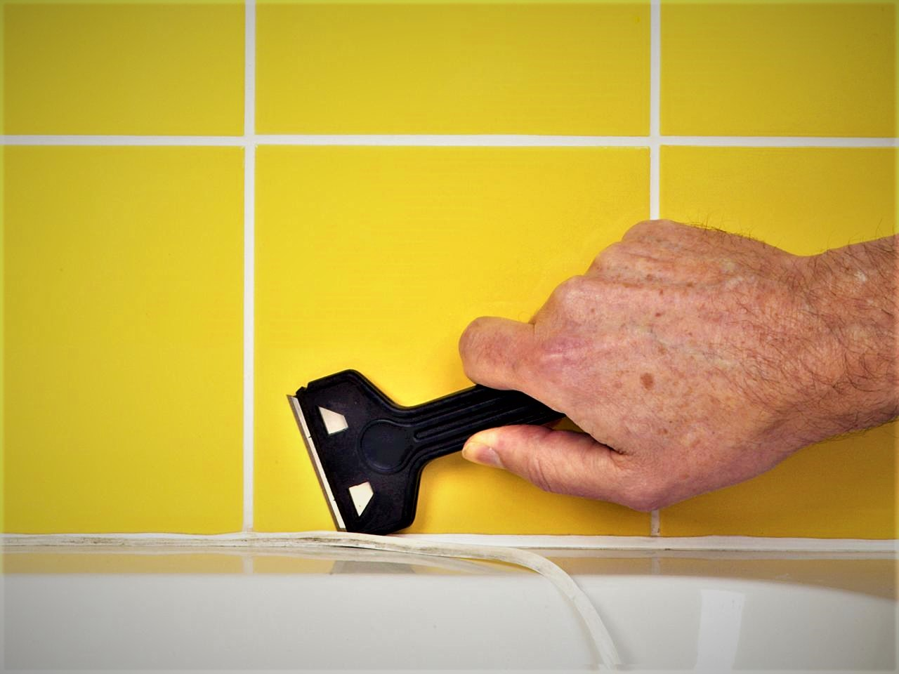 chem otteret sanitarnyj germetik neskolko sposobov