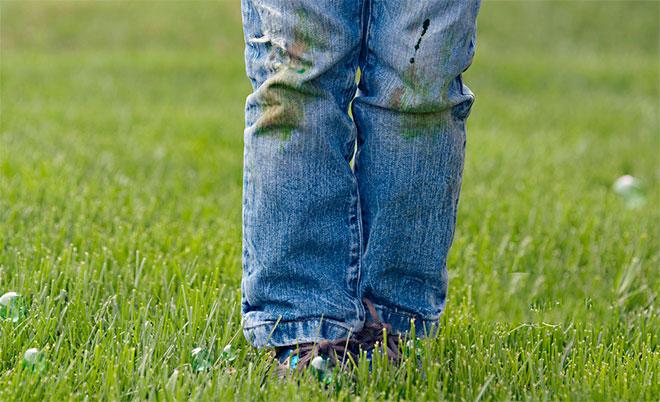 kak otstirat travu s dzhins bezboleznenno dlya tkani 1