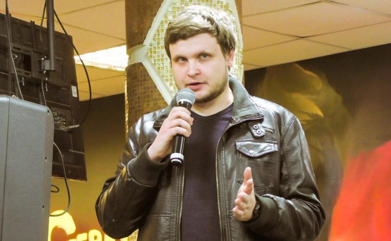 oficerom fsb s kotorym razgovarival navalnyj okazalsya pranker leksus