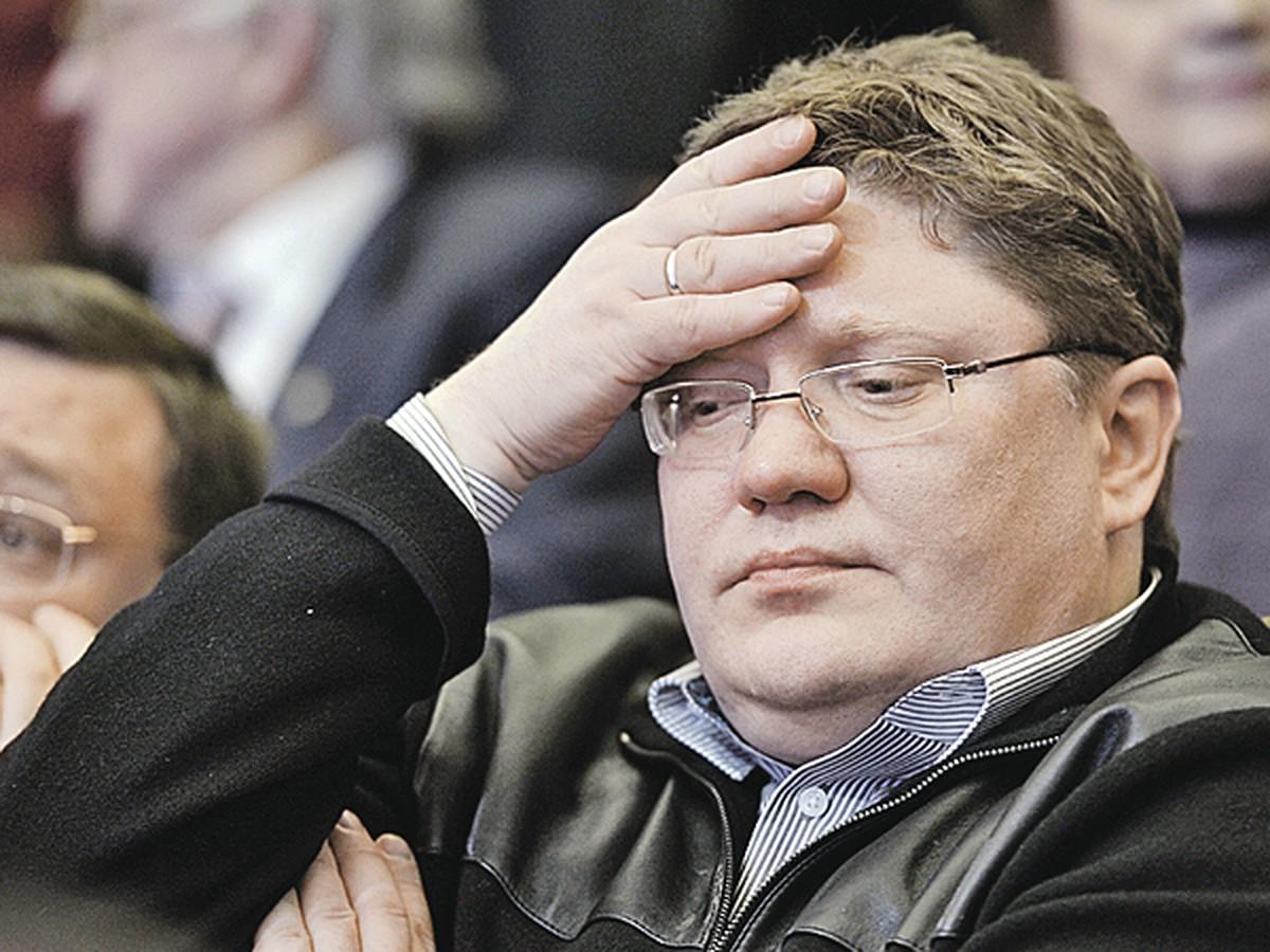 predsedatel gos dumy rasskazal pochemu peresadil deputatov v ekonom klass